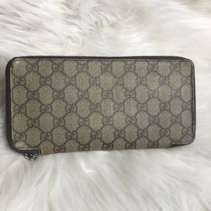 Gucci Monogram Wallet. Gently used.